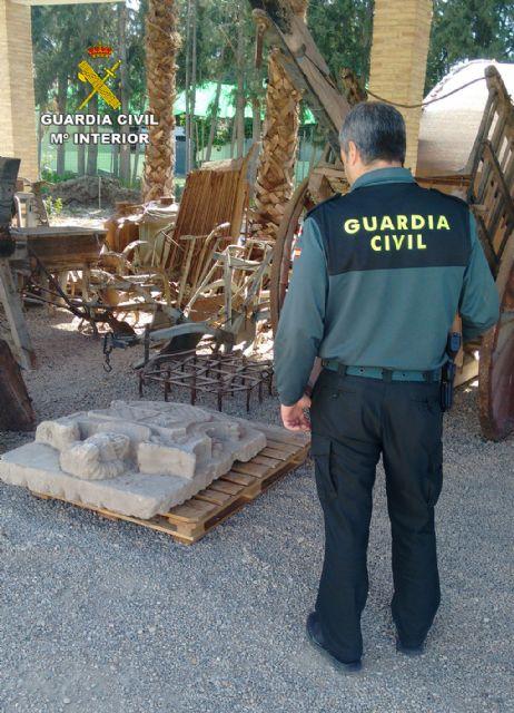 La Guardia Civil localiza un escudo heráldico del siglo XVIII declarado Bien de Interés Cultural - 1, Foto 1
