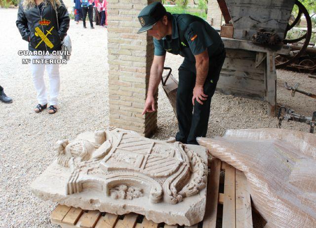 La Guardia Civil localiza un escudo heráldico del siglo XVIII declarado Bien de Interés Cultural - 5, Foto 5