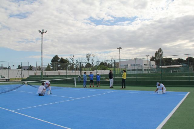 El Ayuntamiento mejora las pistas de tenis de Puerto Lumbreras - 2, Foto 2