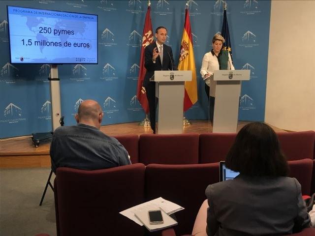 Los alumnos de la Universidad de Barcelona podrán realizar prácticas en centros de la Administración regional - 1, Foto 1