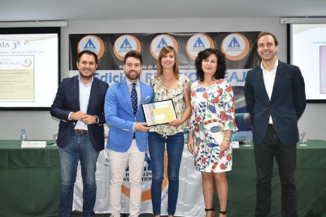El albergue juvenil Calarreona recibe el premio a la