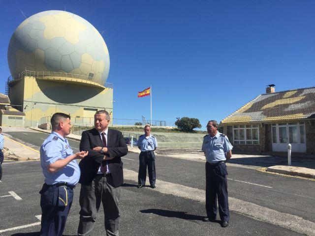 El delegado del Gobierno ha visitado el Escuadrón de Vigilancia Aérea (EVA 13) del Acuartelamineto Aéreo de Sierra Espuña, Foto 2