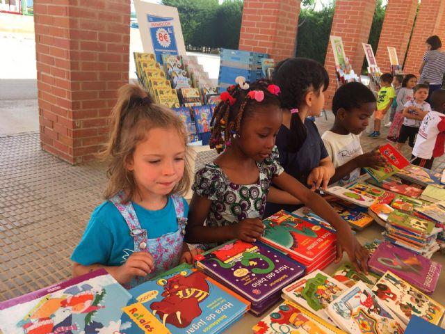 El colegio Valentín Buendía se entrega a la literatura infantil con su Semana Cultural - 1, Foto 1