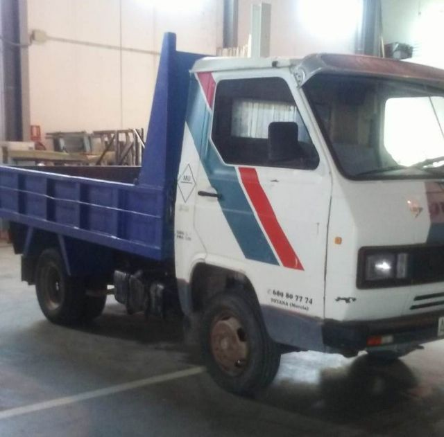 A second-hand truck is acquired to expand the fleet of vehicles for various services of the Municipal Warehouse - 2