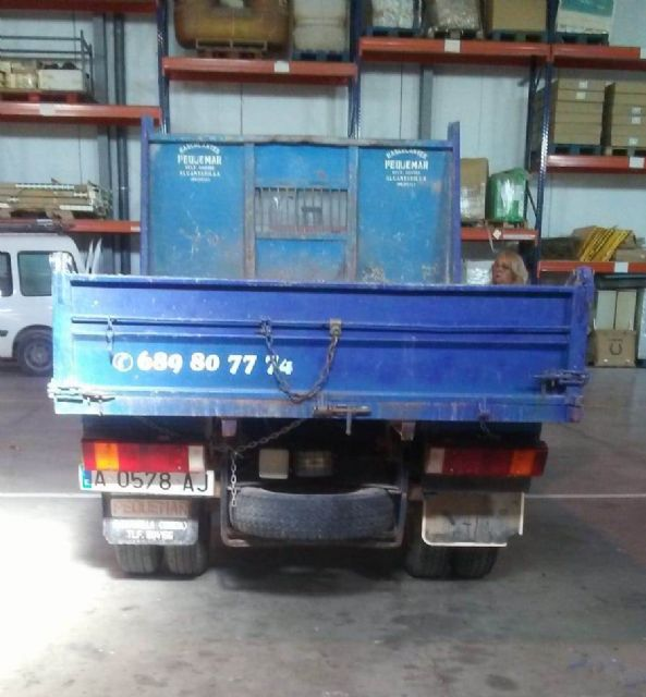 A second-hand truck is acquired to expand the fleet of vehicles for various services of the Municipal Warehouse - 3
