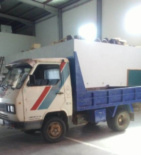 A second-hand truck is acquired to expand the fleet of vehicles for various services of the Municipal Warehouse - 4