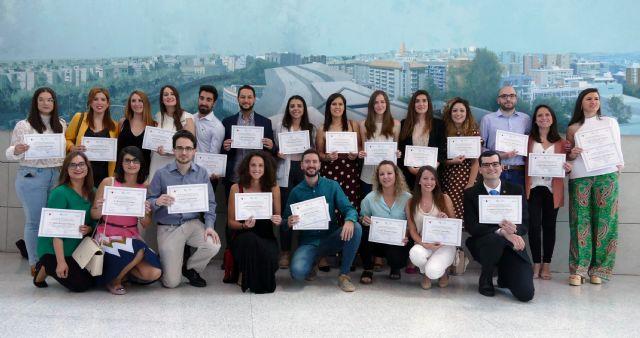 El hospital Reina Sofía celebra el acto de despedida de los 36 residentes que han finalizado su formación - 1, Foto 1