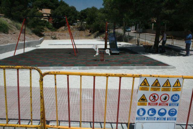 Entra en su última fase de ejecución la construcción de la nueva área de juegos infantiles en la urbanización La Charca, Foto 1