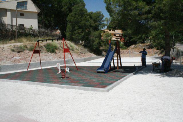 Entra en su última fase de ejecución la construcción de la nueva área de juegos infantiles en la urbanización La Charca, Foto 3