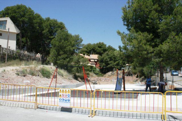 Entra en su última fase de ejecución la construcción de la nueva área de juegos infantiles en la urbanización La Charca, Foto 4