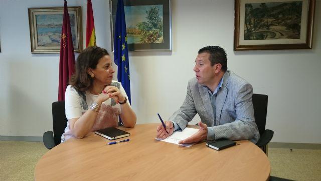 La directora general de Fondos Agrarios y Desarrollo Rural se entrevista con el alcalde de Mula - 1, Foto 1
