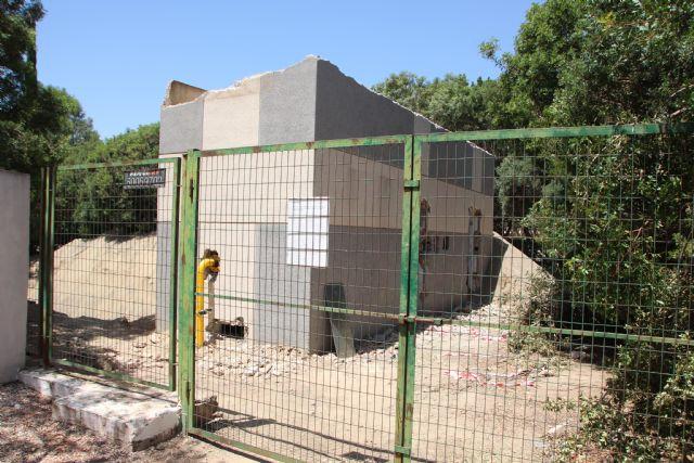Retirados los depósitos de gas de los jardines de Alhama, Foto 2