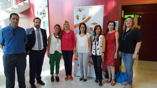 La Comunidad respalda a la nueva federación regional de familias adoptivas y acogedoras - 1, Foto 1