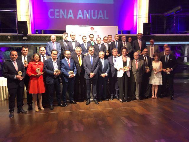 Tomás Fuertes recibe el nombramiento de Colegiado Honorífico de los economistas murcianos por su trayectoria que ha consolidado uno de los mayores grupos empresariales de España, Foto 2
