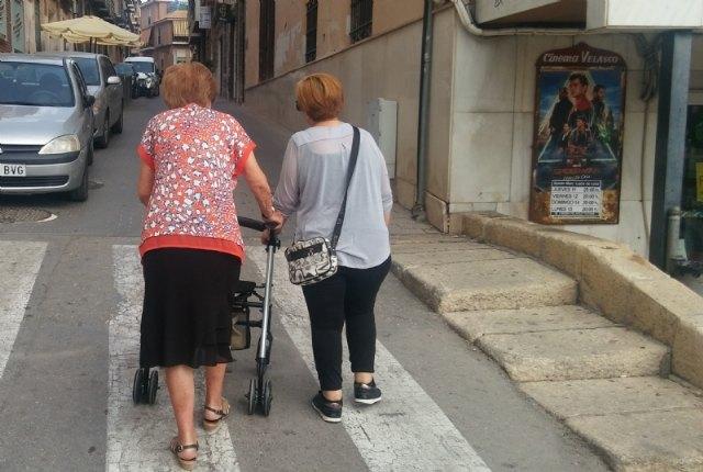 La Comunidad Autónoma ofrece ayudas de hasta 3.000 euros para gafas, audífonos y tratamiento bucodental de personas mayores - 1, Foto 1
