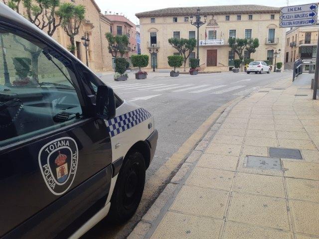 [La Policía Local desarrolla desde hoy y durante la próxima semana la campaña de vigilancia específica de consumo de alcohol y drogas, promovida por la DGT