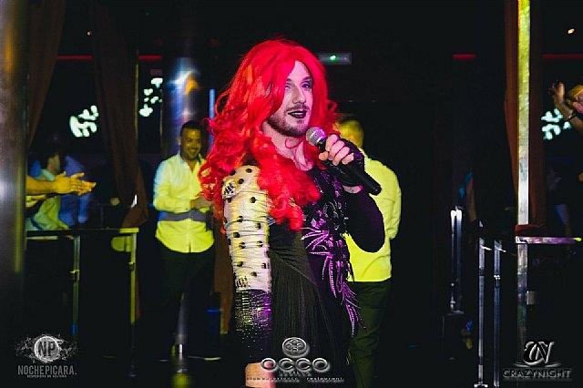 Tina Equis, un huracán rojo lleno de energía y celebración - 1, Foto 1