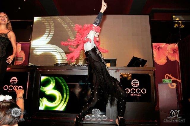 Tina Equis, un huracán rojo lleno de energía y celebración - 3, Foto 3