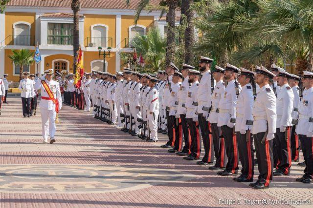 La Armada celebra el día de su patrona con homenajes y el tradicional desfile de la Fuerza - 1, Foto 1