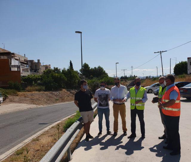 Fomento realiza un refuerzo de la seguridad vial con la limpieza de 4.159 kilómetros de márgenes y medianas de carreteras regionales - 1, Foto 1