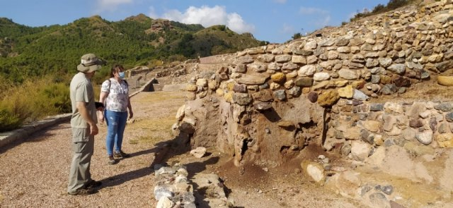 The works to improve the consolidation of prehistoric architectural structures begin at the La Bastida archaeological site