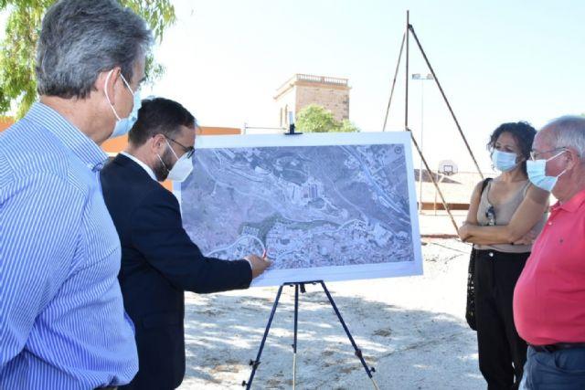 El Ayuntamiento de Lorca impulsa el proyecto de construcción del Vial de los Barrios Altos, infraestructura clave para mejorar las conexiones entre los barrios y pedanías del municipio - 2, Foto 2