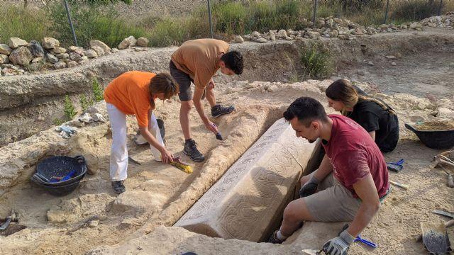 Investigadores de la UMU hallan un sarcófago de época visigoda en la necrópolis romana de Los Villaricos, en Mula - 1, Foto 1