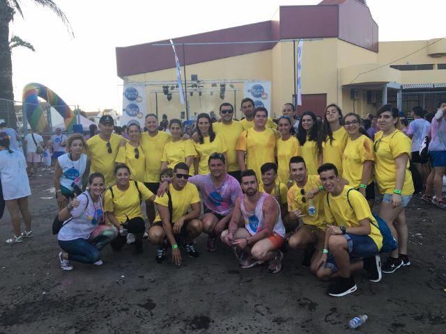 Un millar de personas participaron en la Spume Run, la primera carrera de espuma de colores de España, celebrado en Santiago de la Ribera - 3, Foto 3