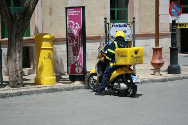 Se piden soluciones a la falta de personal en la plantilla de Correos en Totana, Foto 2