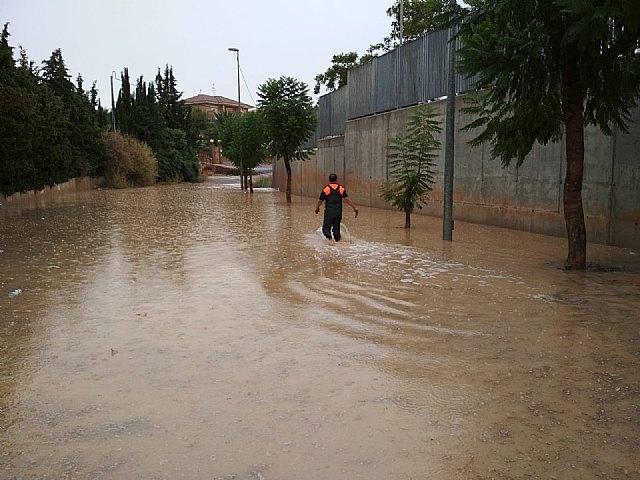 Protección Civil de Totana realiza numerosas actuaciones a causa de las fuertes tormentas