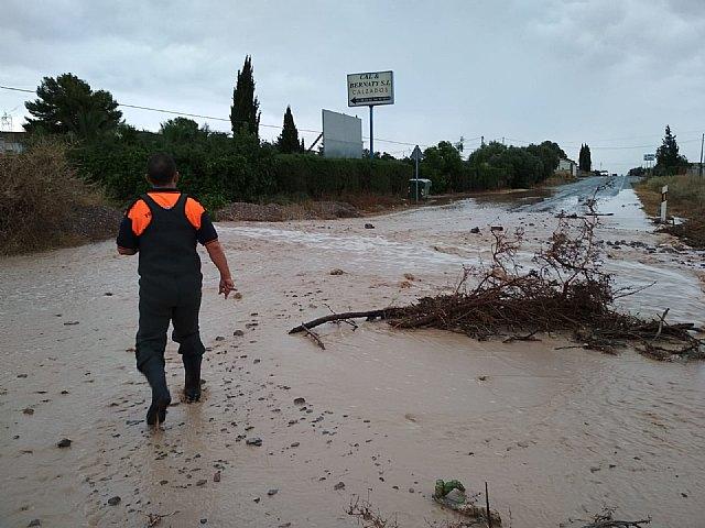 Protección Civil de Totana realiza numerosas actuaciones a causa de las fuertes tormentas, Foto 3
