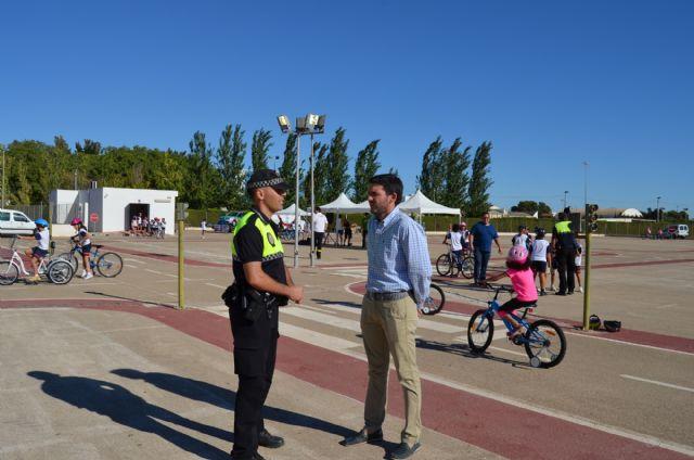 La concejalía de Medio Ambiente promueve de manera lúdica la movilidad sostenible - 1, Foto 1