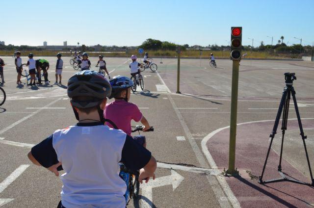 La concejalía de Medio Ambiente promueve de manera lúdica la movilidad sostenible - 2, Foto 2