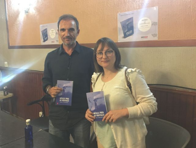 "The Councilor for Culture attends the presentation of the book ""Music for a castaway"", by Pedro Antonio Cano, for the benefit of the Association D´Genes"