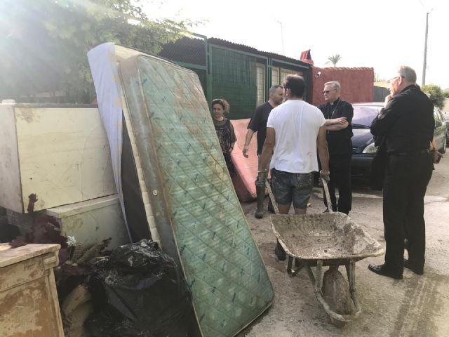 La solidaridad limpia los estragos de la DANA en la Región de Murcia - 2, Foto 2