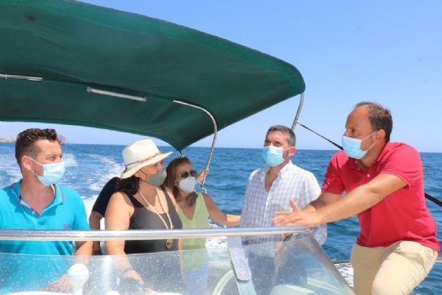 Reverte y el consejero Luengo realizan una visita para comprobar sobre el terreno el proyecto de la Reserva Marina de Interés Pesquero de Cabo Cope - 1, Foto 1