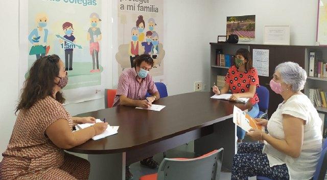 El Área de Personas Mayores de la Concejalía de Bienestar Social se reúne para implementar el programa de mayores este otoño - 1, Foto 1