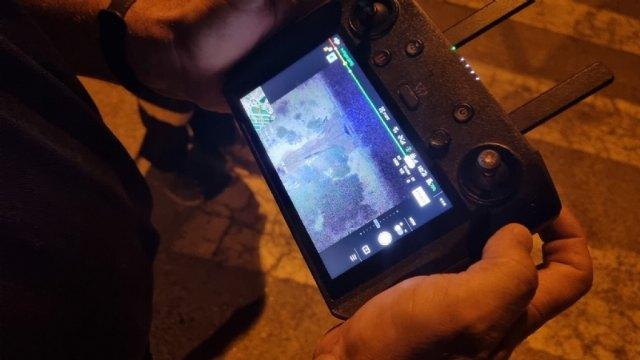 [Los servicios de emergencias establecieron anoche un dispositivo de control por el desbordamiento de una balsa de riego en la zona de Las Cabezuelas, Foto 2