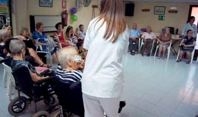 It is approved to renew the agreement with the IMAS for the service provision of the Dependent Senior Citizen Day Centers for the years 2019 and 2020