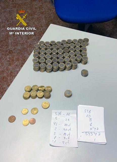 La Guardia Civil detiene in fraganti a dos personas relacionadas con varios robos en comercios de Moratalla - 2, Foto 2