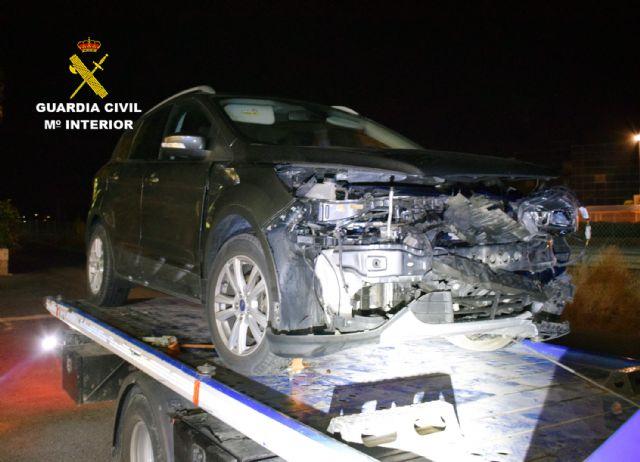 La Guardia Civil investiga a un conductor que colisionó con otro turismo cuando circulaba en sentido contrario cuadruplicando la tasa máxima de alcohol - 2, Foto 2