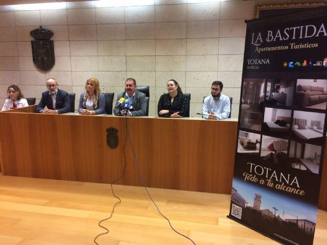 Se presenta un nuevo servicio de Apartamentos Turísticos La Bastida, en la calle Héroe Bartolomé Cayuela - 3, Foto 3