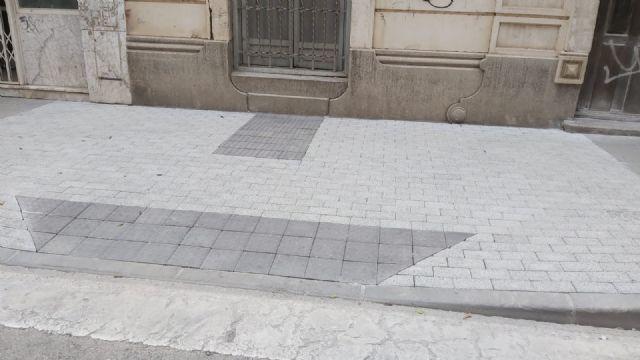 Comienzan las obras para mejorar la accesibilidad en los pasos de peatones de la Calle Mayor de Alcantarilla - 2, Foto 2