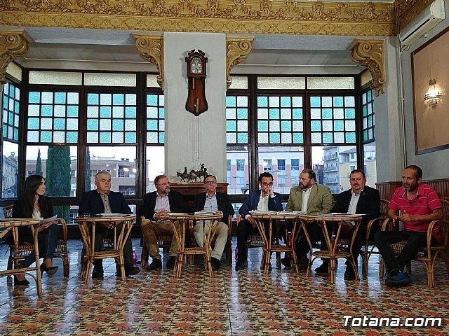 Incongruencias de la vida y la política, por Juan José Cánovas - 1, Foto 1