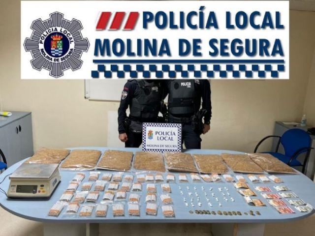 La Policía Local de Molina de Segura detiene al regente de una tienda por tráfico de drogas y contrabando de tabaco - 1, Foto 1