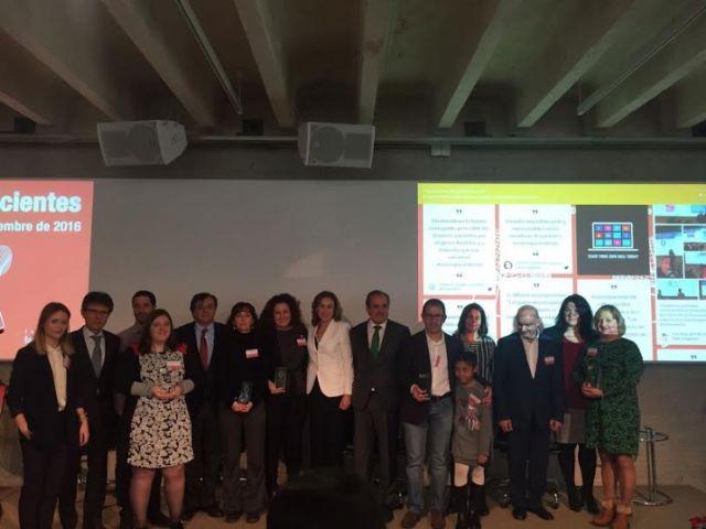 El proyecto Cuidados paliativos pediátricos en enfermedades raras de D´Genes, galardonado en la II edición de los Premios Somos Pacientes, Foto 2