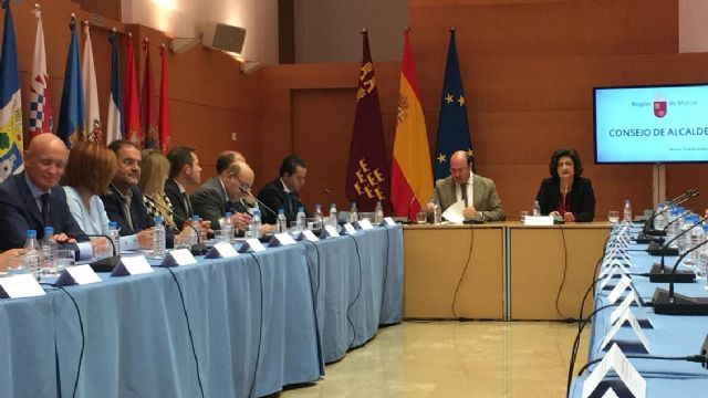 El alcalde de Totana asiste a la cuarta reunión del Consejo de Alcaldes - 1, Foto 1