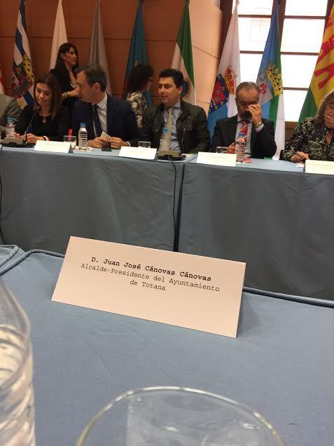 El alcalde de Totana asiste a la cuarta reunión del Consejo de Alcaldes - 2, Foto 2