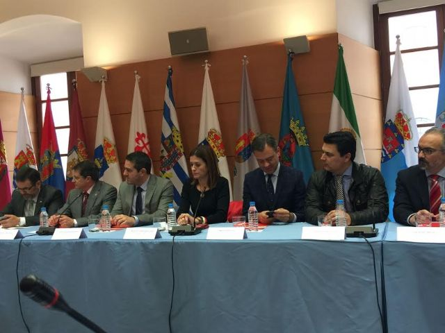 El alcalde de Totana asiste a la cuarta reunión del Consejo de Alcaldes - 4, Foto 4