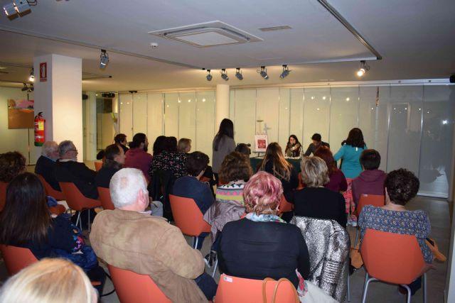 Juana Calle presenta